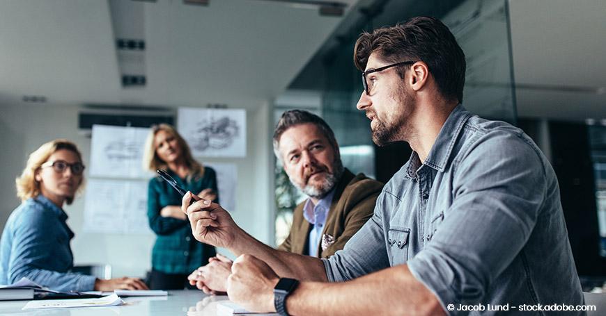 Unternehmensberater werden - Berater im Meeting